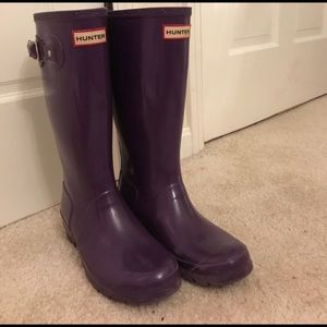 Hunter rain boots size 7 purple